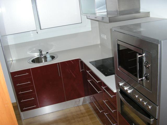 Hermoso cocinas en l fotos 25 cocinas pequenas en forma - Disenos de cocinas en l ...